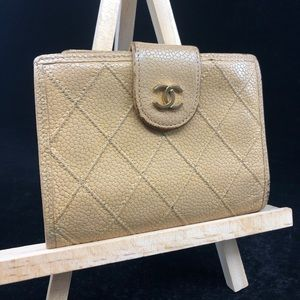 CC049 Quilted Leather Caviar Kisslock bifold